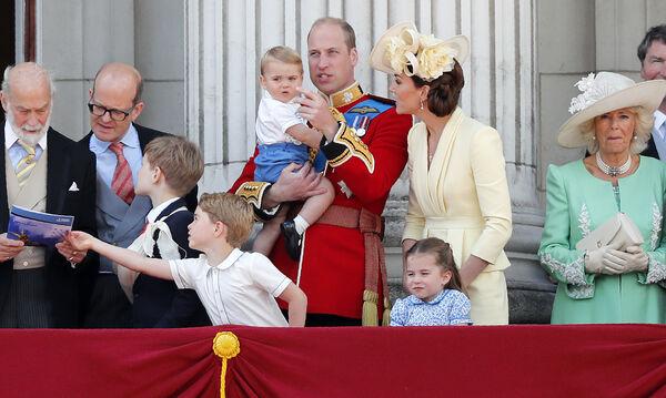 Βασιλικά παιδιά: Η σειρά διαδοχής τους για το θρόνο (vid+pics)