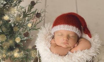 Μωράκια έβαλαν τα γιορτινά τους και είναι αξιολάτρευτα (pics)