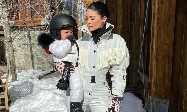 Αυστηρούς κανόνες που υποχρεώνει η Kylie Jenner τις νταντάδες της κόρης της να ακολουθούν (vid)