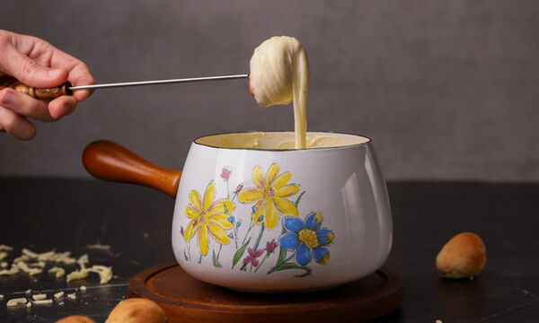 Φοντύ (fondue) τυριών - Φτιάξτε το και εσείς