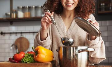 Αιμορροΐδες & διατροφή: Τι πρέπει να προσέξετε κατά τη διάρκεια των γιορτών;