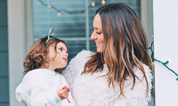 Καλομοίρα: Όμορφες καθημερινές στιγμές με τα παιδιά της στην Αμερική (vid & pics)
