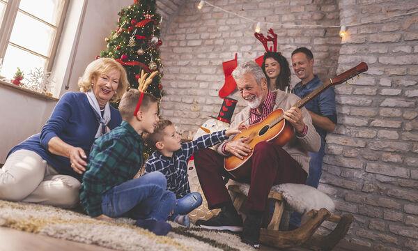 Υποδεχτείτε τη νέα χρονιά με όμορφα παιδικά πρωτοχρονιάτικα τραγούδια (vid)