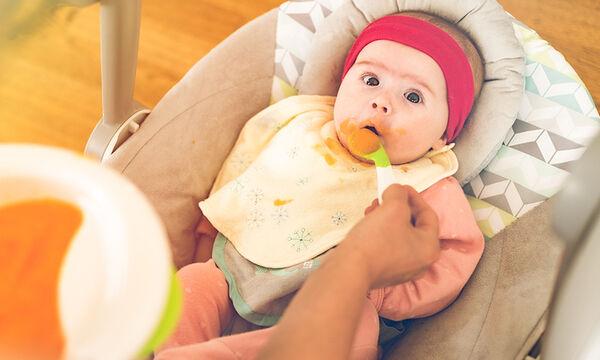 5+1 πράγματα που πρέπει να γνωρίζετε πριν ξεκινήσετε τις στερεές τροφές στο μωρό