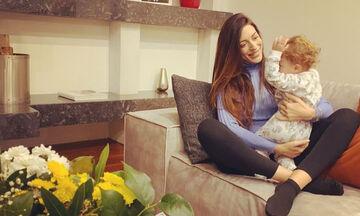 Φλορίντα Πετρουτσέλι: Καθημερινές στιγμές με την κόρη της περιμένοντας το δεύτερο παιδί της (pics)