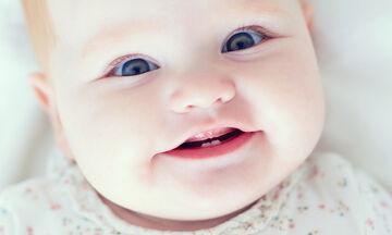 Τα πρώτα δόντια του μωρού - Τα επτά πράγματα που πρέπει να γνωρίζετε (vid)