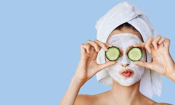 Τέσσερις μάσκες προσώπου με βάση το μέλι για βαθύ καθαρισμό (vid)