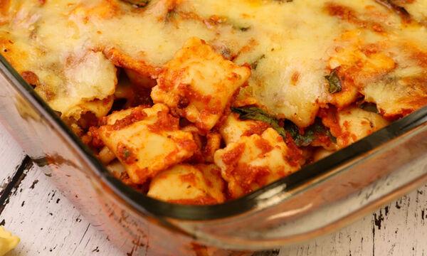 Συνταγή με ραβιόλι με σπανάκι στο φούρνο