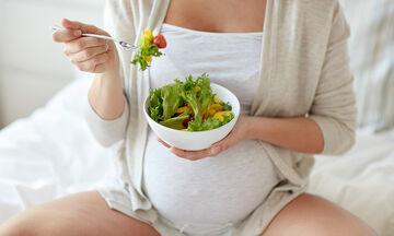 Εγκυμοσύνη & διατροφή: 5+1 τροφές που συμβάλλουν στον καλό βραδινό ύπνο (pics)