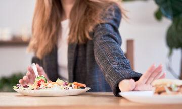 Διατροφή με λίγους υδατάνθρακες: 'Εξι υγιεινές συνταγές για απώλεια βάρους  (vid)