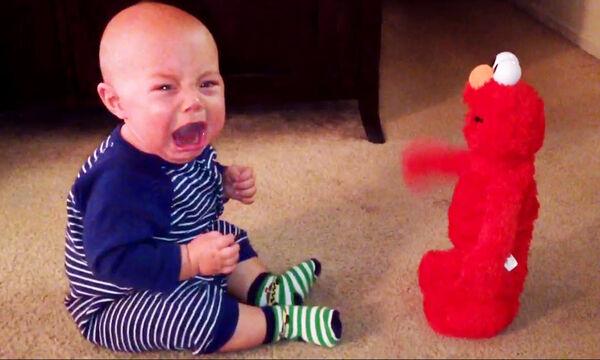 Οι αντιδράσεις αυτών των παιδιών σε ήχους παιχνιδιών είναι μοναδικές (vid+pics)