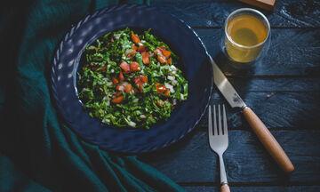 Με αυτήν τη δίαιτα θα χάσεις τα κιλά των εορτών σχετικά γρήγορα
