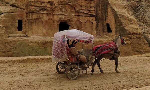 Διάσημη Ελληνίδα μαμά ταξίδεψε στην Ιορδανία με την οικογένειά της - Δείτε φωτογραφίες (pics)
