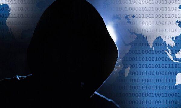 Στα χέρια χάκερς στοιχεία 15.000 καρτών - Τις αντικαθιστούν οι τράπεζες