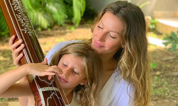 Gisele Bündchen: Μαμά και κόρη μοιάζουν σαν δυο σταγόνες νερό - Οι φώτο που πρέπει να δείτε (pics)