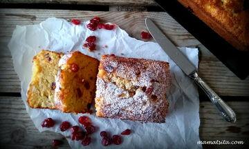 Αφράτο και λαχταριστό κέικ με μήλο, καρότο και κράνμπερι (pics)