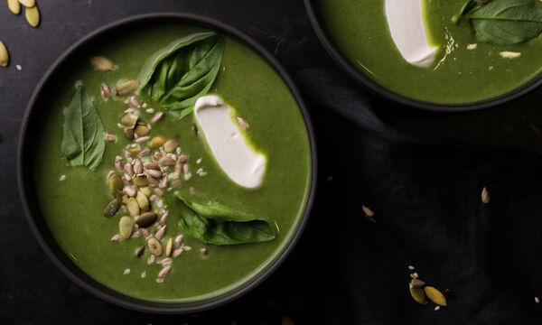 Σούπα με κολοκυθάκια, πράσο και σπανάκι - Φτιάξτε την και εσείς!