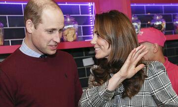 Ο πρίγκιπας William μπέρδεψε παιδική του φώτο με της Charlotte - Δείτε την ξεκαρδιστική στιγμή (vid)
