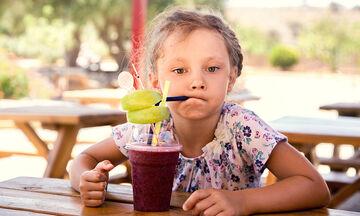 Δέκα υπέροχα και άκρως δυναμωτικά smoothies για παιδιά (pics)