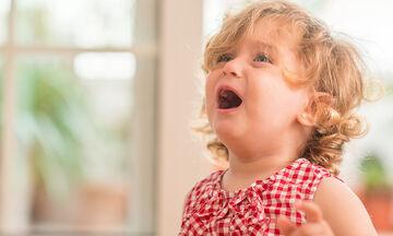 Ξεσπάσματα θυμού από ένα νήπιο: Πώς να τα διαχειριστείτε