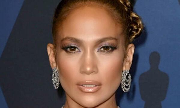 Jennifer Lopez: Η φώτο με τα παιδιά της στο κρεβάτι που συγκέντρωσε πάνω από 1,5 εκατ. likes (pics)