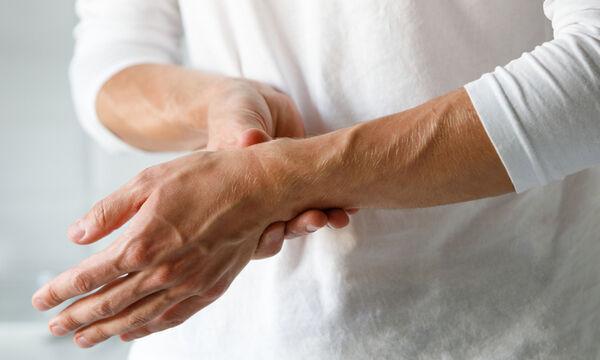 Ρευματοειδής αρθρίτιδα: Αντιφλεγμονώδεις τροφές για τη διαχείριση των συμπτωμάτων (εικόνες)