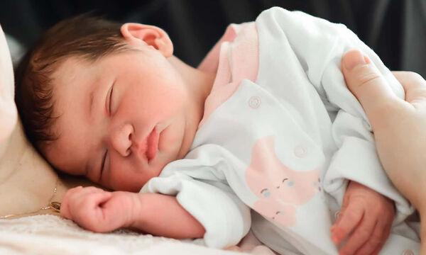 Οι πρώτες στιγμές με το νεογέννητο - Αξία ανεκτίμητη (pics)