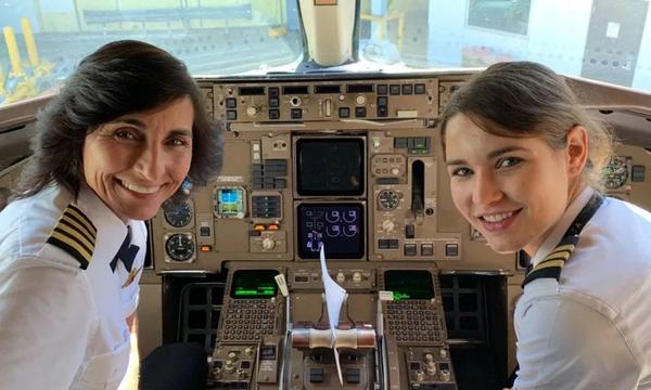 Μαμά και κόρη γίνονται το πρώτο δίδυμο κυβερνήτη και συγκυβερνήτη στον κόσμο (pics)