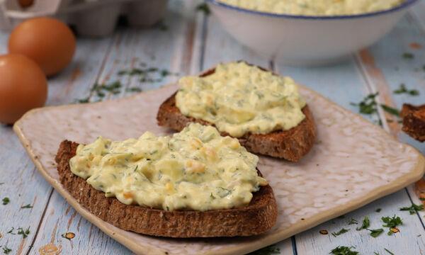 Συνταγή για πεντανόστιμη και υγιεινή αυγοσαλάτα