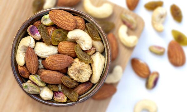 Οι καλύτεροι & οι χειρότεροι ξηροί καρποί για όσους κάνουν δίαιτα (εικόνες)
