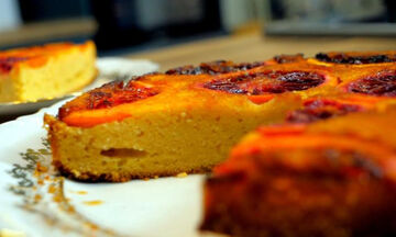 Πανεύκολο ανάποδο κέικ με σαγκουίνια (vid)