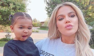 Khloé Kardashian: Θα πάθετε πλάκα με το ξύλινο σπιτάκι που έχει στον κήπο για την κόρη της (pics)