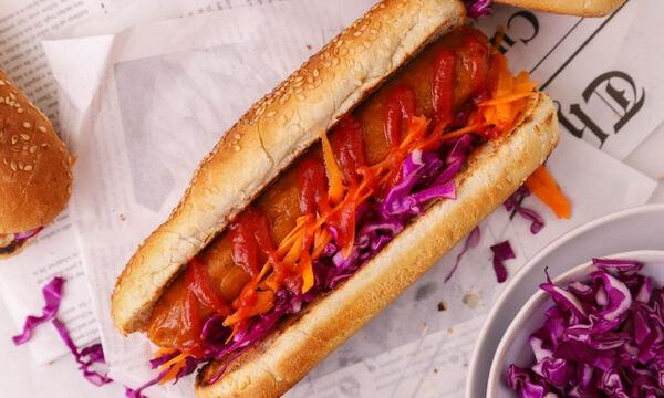 Vegan hot dog - Δείτε πώς θα το φτιάξετε