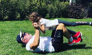 Να αφιερώνετε χρόνο στα παιδιά σας όπως ο Γιώργος Λύρας στην κόρη του (pics)