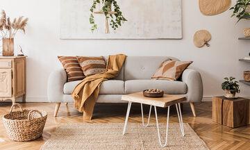 Επτά τρόποι διακόσμησης για να αναδείξετε τον γκρι καναπέ σας (vid)