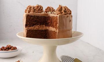 Αφράτη τούρτα με καφέ και φουντούκια