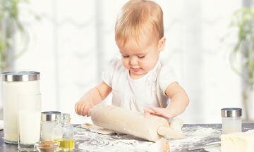 Ζαχαροπλαστική για παιδιά: 7 εύκολες συνταγές για να τις φτιάξουν χωρίς τη δική σας βοήθεια (pics)