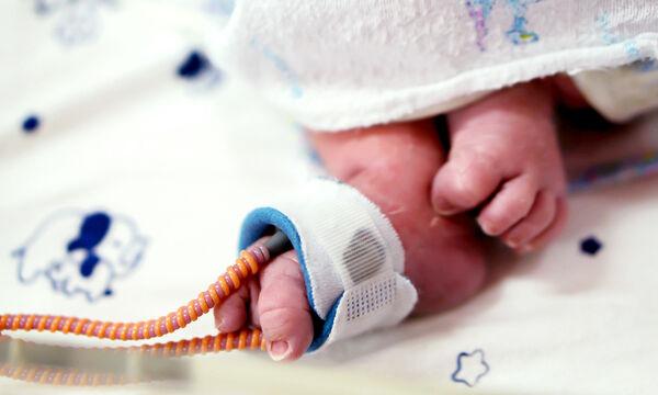 Κορονοϊός: Νεογέννητο (30 ωρών) διαγνώστηκε με τον ιό - Ο πιο μικρός ασθενής μέχρι σήμερα