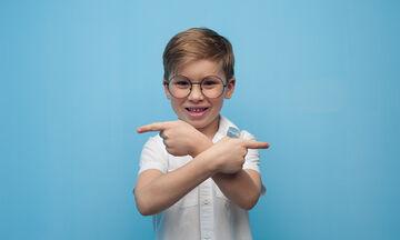 Δραστηριότητες αμφιπλευρικότητας: Πώς θα μάθει το παιδί σας πού είναι το δεξί & πού το αριστερό