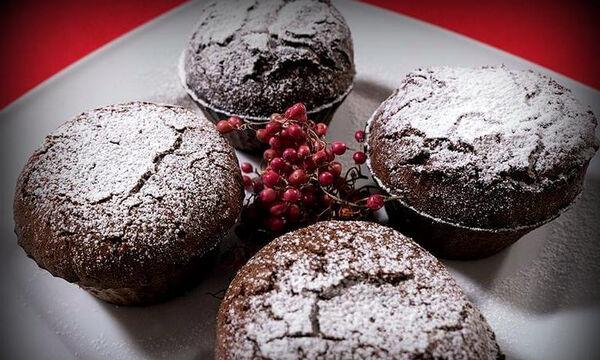 Πανεύκολο σουφλέ σοκολάτας - Ιδανικό για την ημέρα του Αγίου Βαλεντίνου (vid)