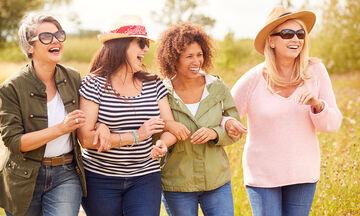 Εμμηνόπαυση: Τι είναι η περιεμμηνοπαυσιακή περίοδος και πόσο μπορεί να διαρκέσει;