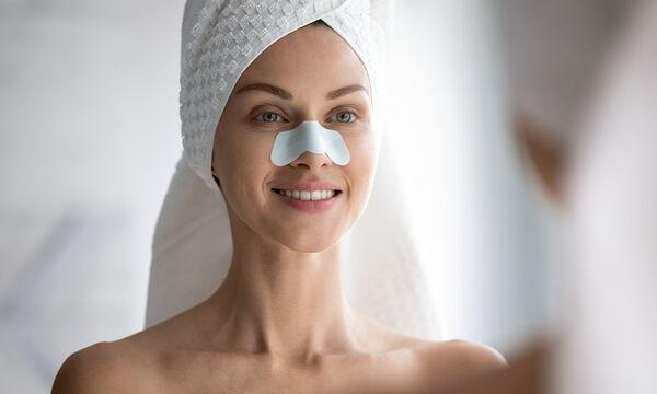 9 τρόποι για να απαλλαγείτε από τα μαύρα στίγματα στη μύτη σας με φυσικά υλικά (vid)