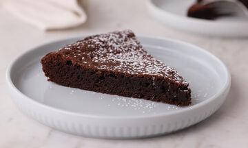 Σουηδική σοκολατόπιτα (Kladdkaka) -  Δείτε πώς θα τη φτιάξετε