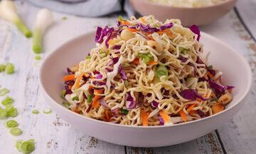 Noodles με λαχανικά - Δείτε πώς θα τα φτιάξετε