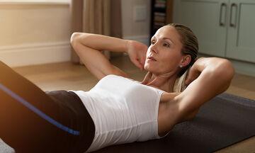 Γυμναστική μετά τον τοκετό με καισαρική: 5 εύκολες ασκήσεις για να χάσετε βάρος και λίπος (vid)