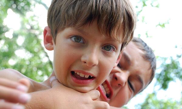 Επιθετικό παιδί: Πέντε τρόποι για να αντιμετωπίσετε την παιδική επιθετικότητα (pics+vid)