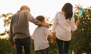 Ποιες είναι οι υποχρεώσεις των συζύγων στη συνεισφορά των οικογενειακών αναγκών;