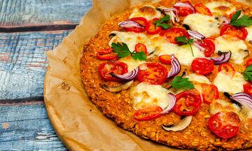 Φαγητό για παιδιά: Λαχταριστή πίτσα με βάση γλυκοπατάτας (vid)