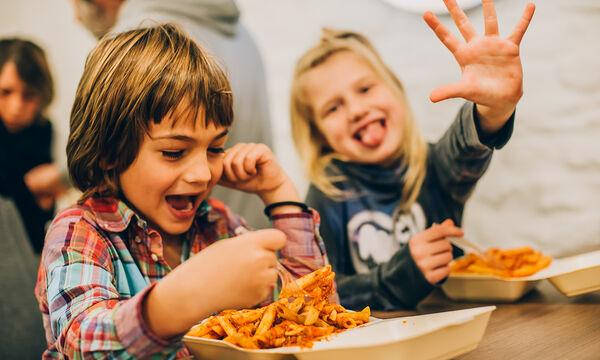 Φαγητό για παιδιά: Λαχταριστή κόκκινη σάλτσα για μακαρόνια από κουνουπίδι (vid)