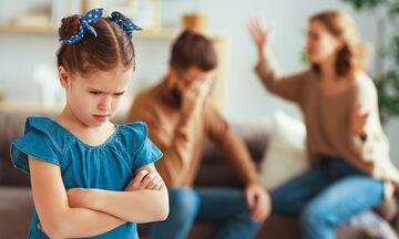 Διαζύγιο: Πώς επηρεάζει το παιδί ανάλογα με την ηλικία του;